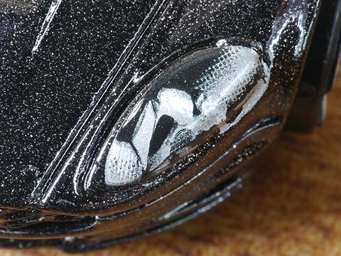 hot-wheels-Aston-Martin-DBS (9)