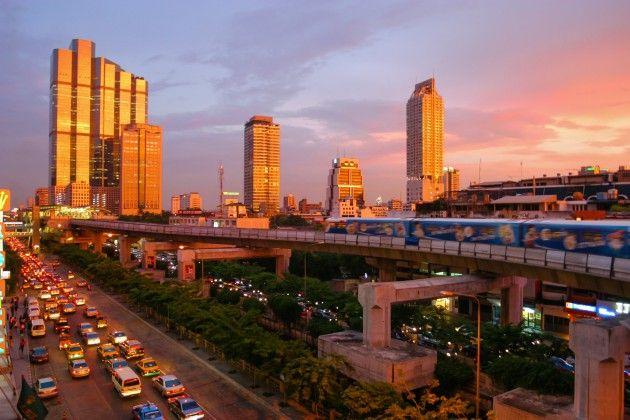 日本人「タイに移住してリタイアライフ送るんや」 タイ人「家賃10万、払えないなら失せろ貧乏人」