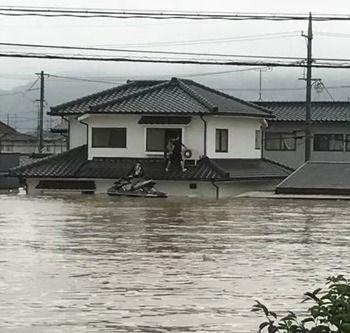 【画像】水上バイク所有の一般人、救助で活躍しまくる!お前ら急いで水上バイク買いに行け