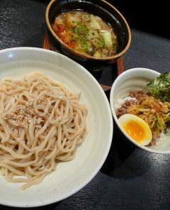 T−1試食会 02