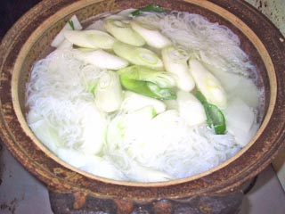 06水炊き鳥鍋鍋炊き.jpg