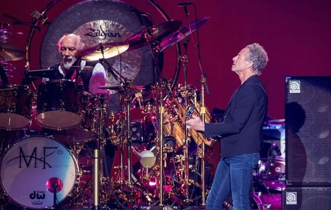 2020_mickfleetwoodlindseybuckingham_getty_2000x1270-720x458