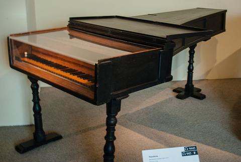 800px-Pianoforte_Cristofori_1720