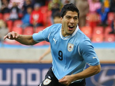 s_Uruguay-v-South-Korea-Luis-Suarez-celeb_2470755