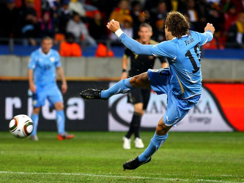 s_Diego-Forlan-Uruguay-Third-Fourth-Place-Play-_2476252