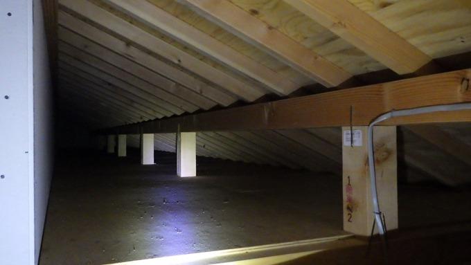 一階屋根裏 (3)