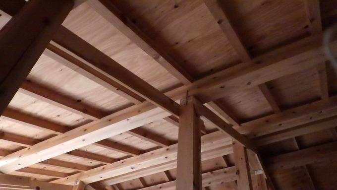 小屋裏木組み
