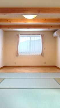 畳敷の寝室