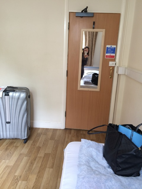 BowdenCourt_room2