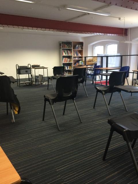 OxfordHouseCollege_selfstudyroom