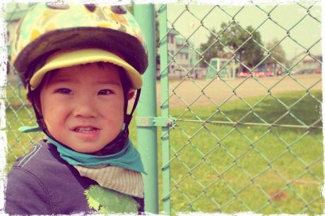 小学校の前で運動会練習の見学