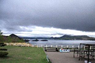 天気悪い洞爺湖