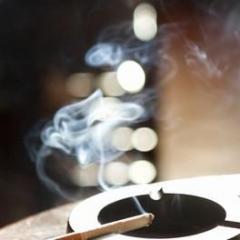 ソフトバンク、仕事中は外出先でも全面禁煙へ 来春から
