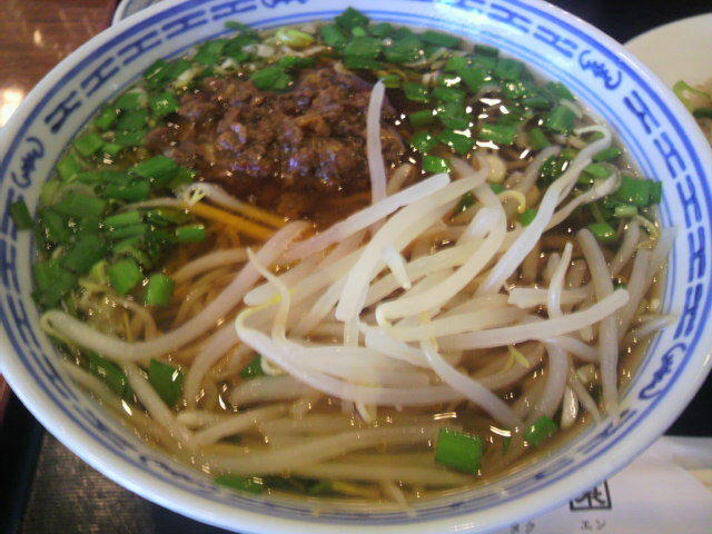 中華料理 豊澤園(ホウタクエン) 台湾ラーメン 600円? <br> たまに食すととても美味しいぞ!!。<br>