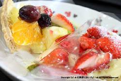 フルーツケーキファクトリー 東札幌店の苺タルトとフルーツタルト
