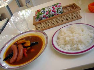 ソーセージと野菜のスープカレー