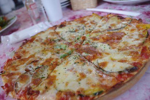 171018-07高原野菜のピザ