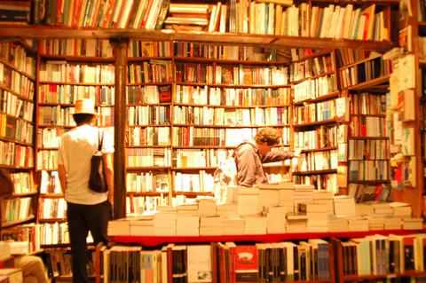 ブックオフで買った本を転売して生計立ててるけど質問ある?
