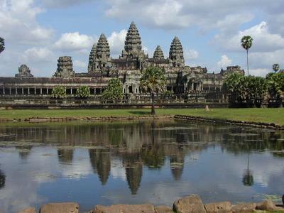 カンボジアで少女抱いた話する
