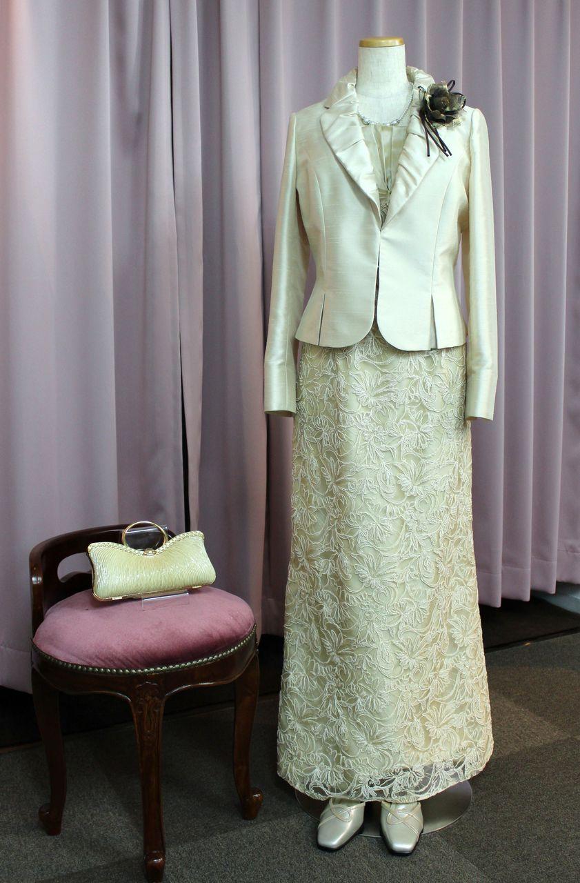 bacb449d1a9ef 結婚式の母親ドレスの選び方   母親レンタルドレス