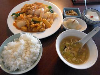 鶏肉とカシューナッツ定食@氷花餃子
