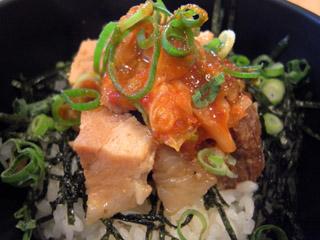 角煮キムチ丼