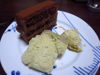 自家製アイスクリームを添えて