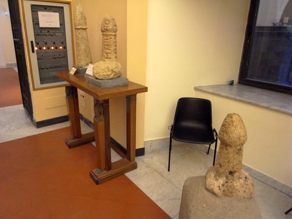 814e5055567d マンボな毎日:国立考古学博物館(裏ネタ:18禁 よい子は見ちゃダメ)