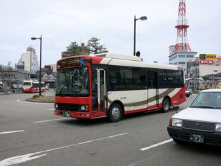 何故か七尾までバスで戻ります