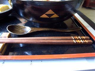 寄木の箸に漆の丼