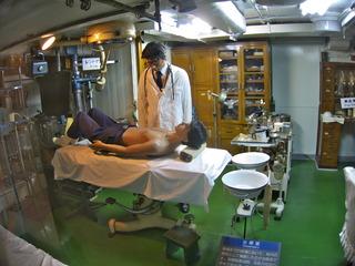 シュールな医務室