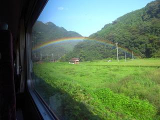 車窓から虹
