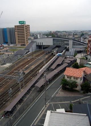 駅の見える宿