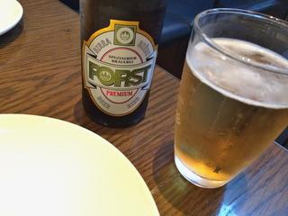 まずはビールを頂きます