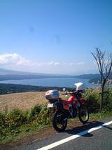 山中湖を望む