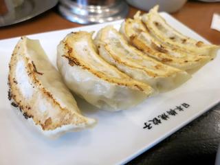 餃子(焼きが甘い)