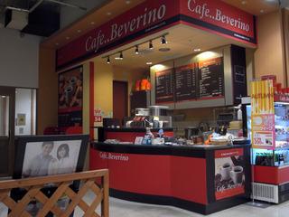 カフェ全景