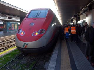 鉄道でローマからナポリへ