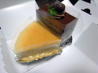 チーズケーキとチョコレートケーキ