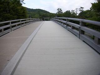 人気のない橋