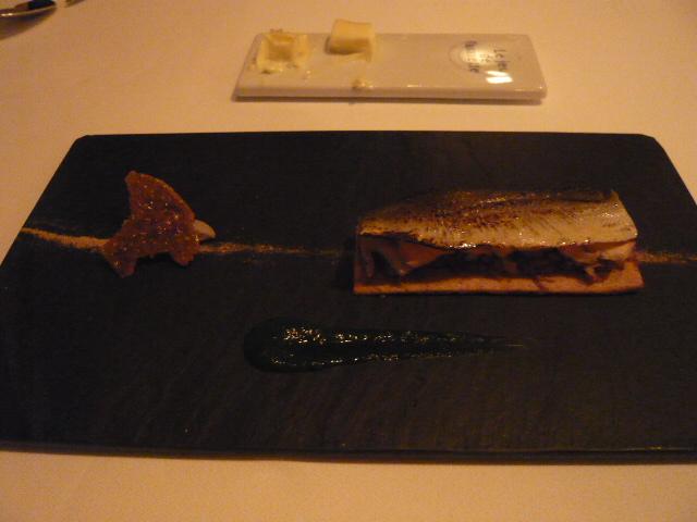 低温でコンフィした鮎と原木椎茸のミルフイユ 鮎の内臓のクネル