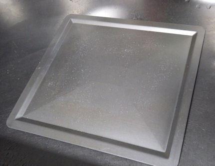 オーブンやトースターのトレーの掃除