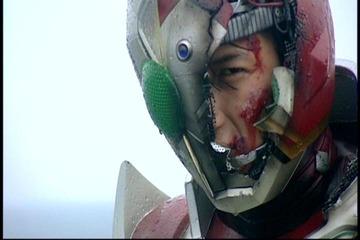 ギャレンマスク割れ