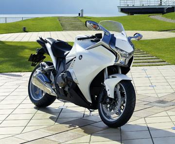 VFR1200Fpic01