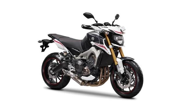 2014-Yamaha-MT-09-Street-Rally-EU-Tech-Graphite-Studio-001