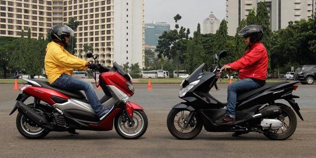 1740285Honda-PCX-Vs-Yamaha-NMAX-2780x390