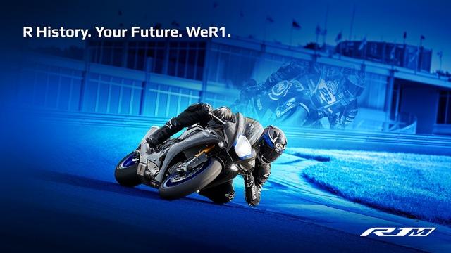 2020-Yamaha-YZF1000R1SPL-EU-Silver_Blu_Carbon-Keyvisual-001-04