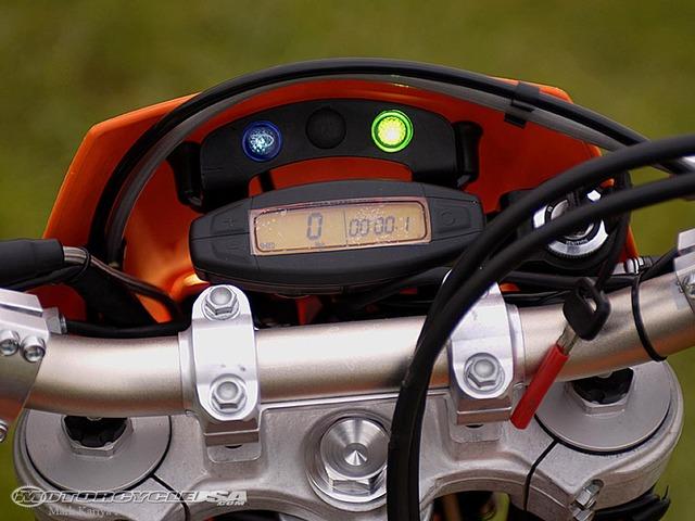 015-KTM-450-Instruments