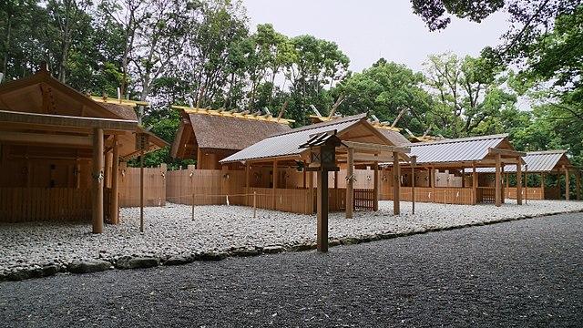 640px-Tukiyomi-no-miya(naiku)_07