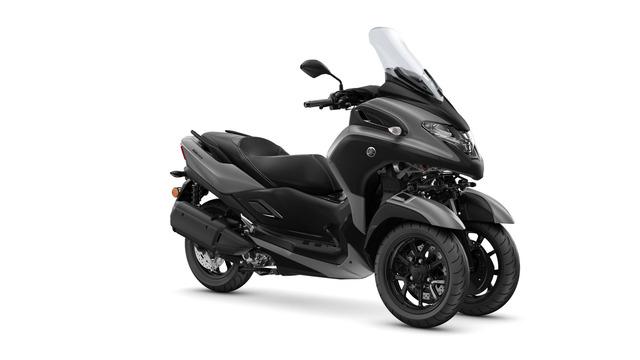2020-Yamaha-MW300-EU-Gunmetal_Grey-Studio-001-03